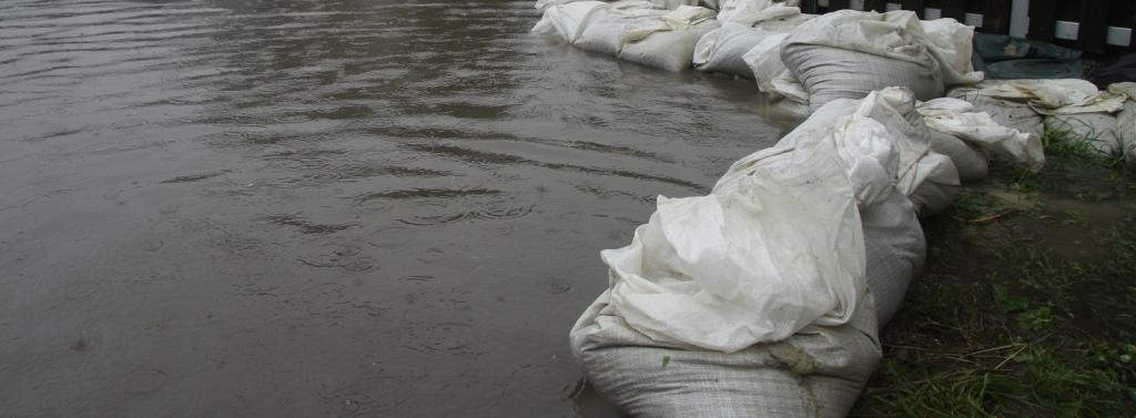 A 2006-os tiszai árvíz aloldal fejlécképe