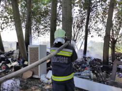 Fóliasátrak égtek egy törökszentmiklósi kertészetben