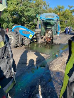 Traktorral ütközött egy furgon Jászapátinál