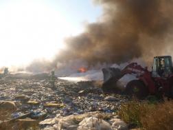 Szemét égett egy Jásztelek melletti hulladéklerakóban